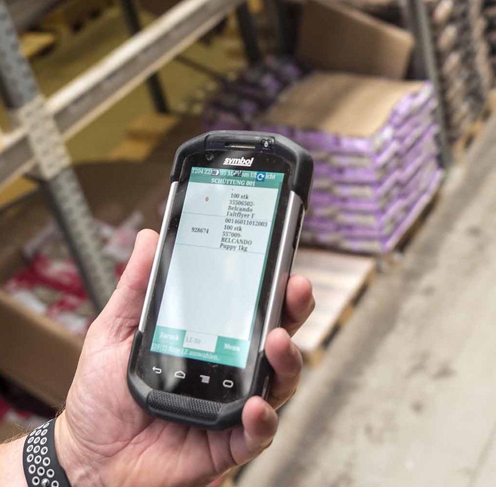 Smartphones für die Kommissionierung mit Lagerverwaltungssoftware